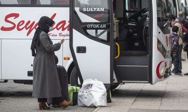 Четири пъти повече молби за развод в Турция заради COVID-19