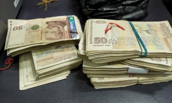 Бързите кредити: Не е възможен мораториум при плащанията им