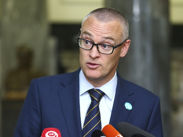"""""""Това е идиотска лудория, за която съжалявам"""", така здравният министър"""
