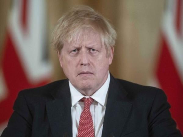 Британският премиер Борис Джонсън диша без чужда помощ и продължава