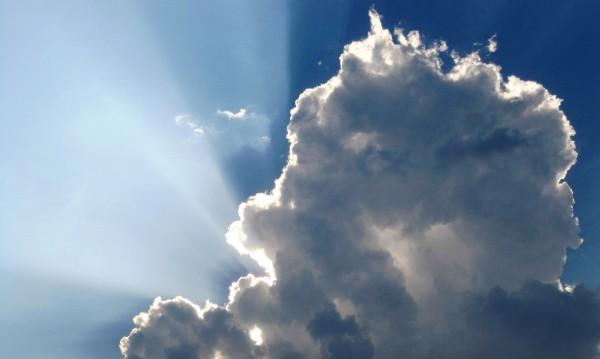 Времето днес: Слънчево, с умерен вятър