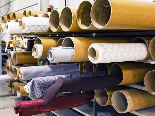 Около 100 шивачки от цех в Дупница, чийто собственик е