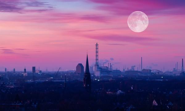 Как ще ни се отрази Розовата Луна?