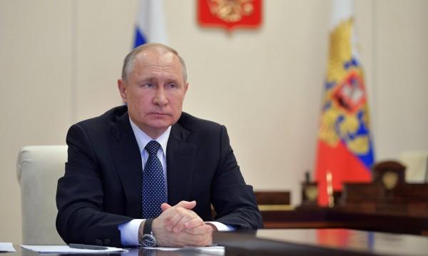 Мерките на Путин: Средства за лекарите, облекчения за бизнеса