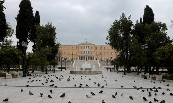 Положителният резултат: Как Гърция изравни кривата на COVID-19?