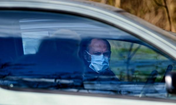 Интересна забрана в Германия: Без самоделни маски зад волана