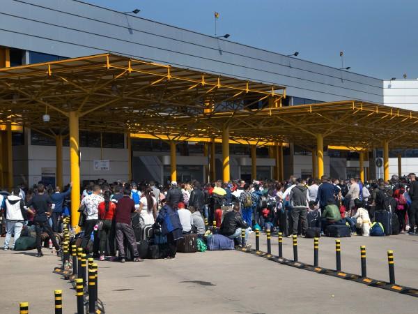 Първите полети със сезонни работници от Румъния бяха организирани вчера