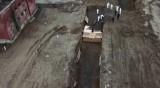 Погребват в масов гроб в Ню Йорк - там жертвите на COVID-19 растат