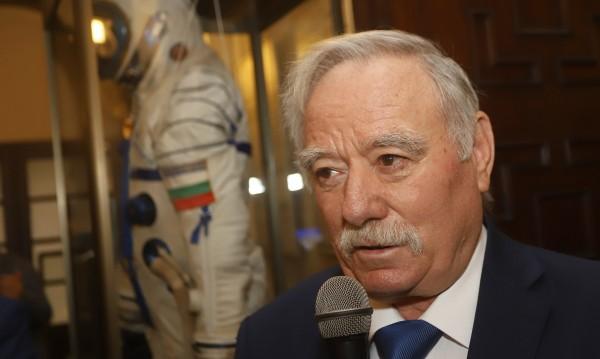 В деня на космонавтиката: За самодисциплина призовава Георги Иванов