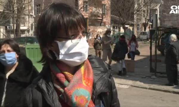 Добро по време на епидемия: Доброволци даряват храна