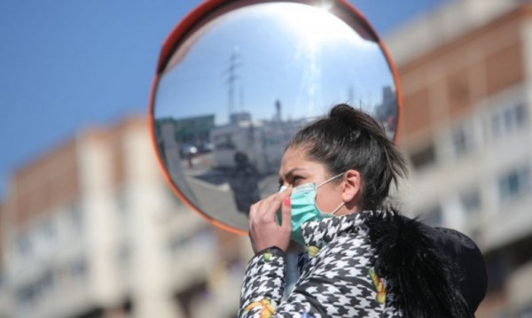 Самоувереност или паника: Крайностите, които вредят при пандемия