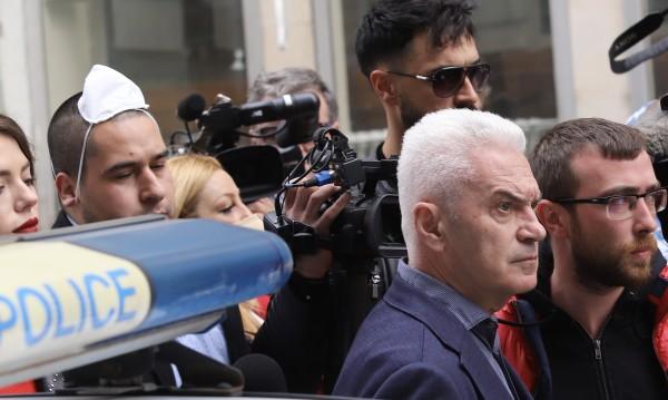Волен Сидеров ще прекара 24 часа в ареста