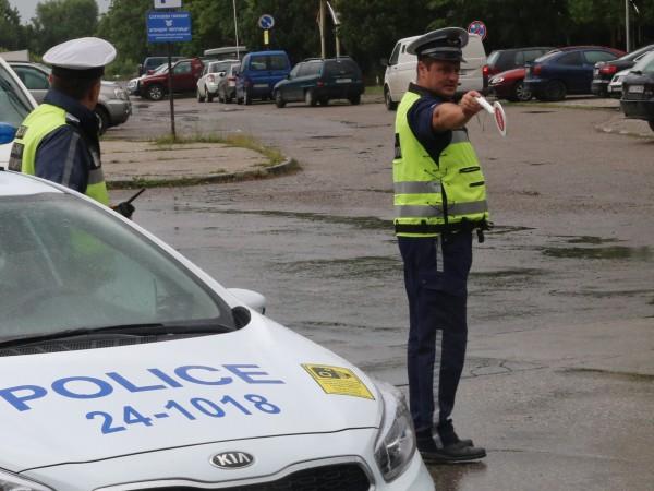 21-годишен мъж е арестуван за 24 часа, след като пиян