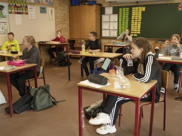 Дания смекчи вчера карантината за коронавируса, като отвори училищата, детските