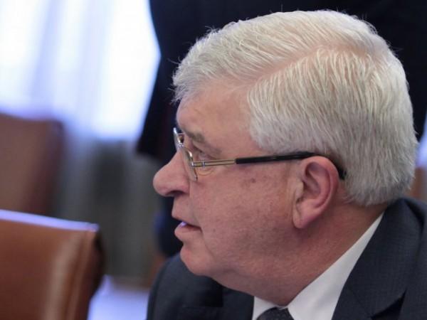 Министърът на здравеопазването Кирил Ананиев, министърът на вътрешните работи Младен