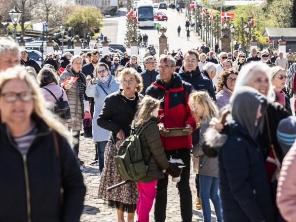 Дания ще разреши на някои малки бизнеси като автошколи, фризьорски