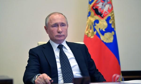 """Ситуацията с COVID-19 в Русия е """"изцяло под контрол"""", увери Путин"""