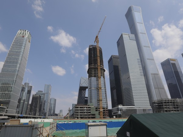 """""""Златният век"""" на Азия беше чакан сред небостъргачите на Шанхай"""