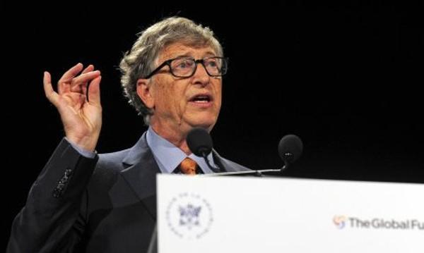 Бил Гейтс решен да спре пандемията, търси ваксина