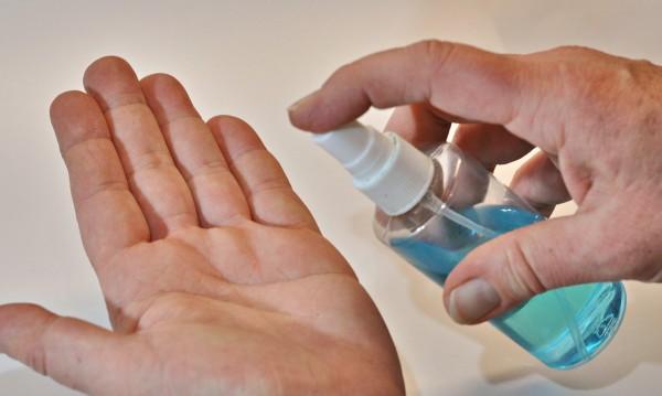 Само 3 дезинфектанта за ръце по стандартите на СЗО