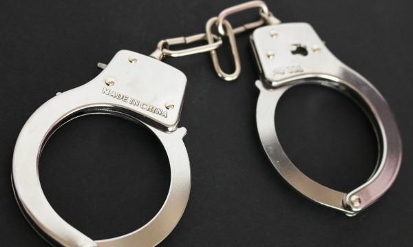 Арестуваха мъж, принуждавал непълнолетни да проституират