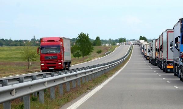 Задържаха полски ТИР с италинаски боклук на път за...