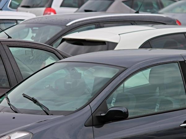 Продажбите на автомобили в Европа през април бяха почти заличени,