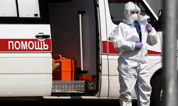 Убийство или самоубийство е падането на трима руски медици от прозорци в болници?