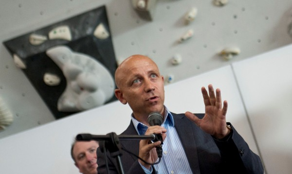 Ивайло Пенчев не вижда грешка в себе си, защо е паднал самолетът му?