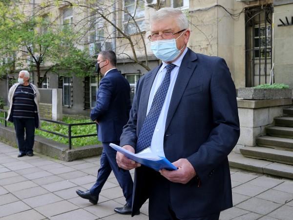 Здравният министър Кирил Ананиев издаде заповед, с която позволява провеждането
