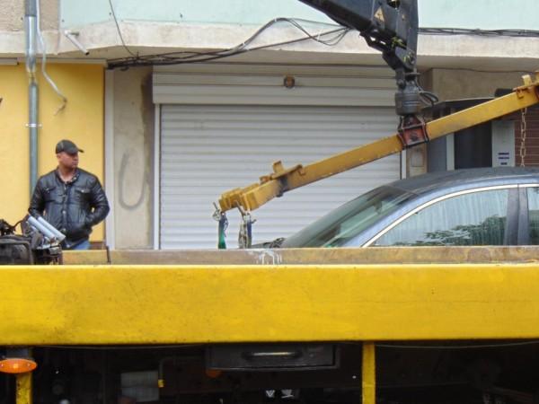 Над 4000 изоставени автомобила гният по улиците в София. Досега