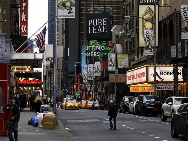 Театрите на Бродуей в Съединените щати ще останат затворени до