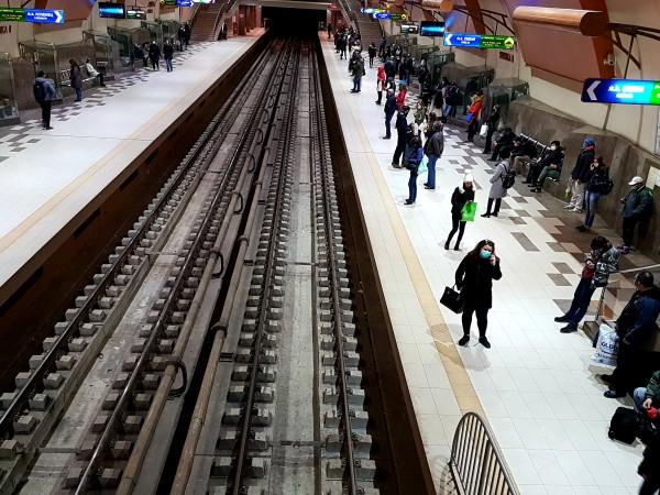 4 пъти по-малсо пътници използват метрото, като през последните дни