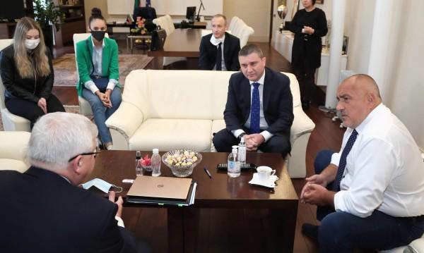Абитуриенти при Борисов, подготвят протокол за изпращането им