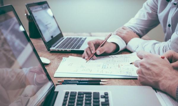 Само 15% от аутсорсинг компаниите връщат целите си екипи в офисите