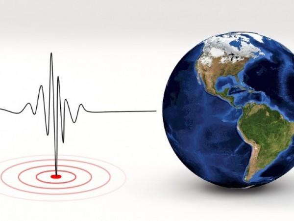 Земетресение с магнитуд 6,5 по Рихтер разлюля рано сутрин местно