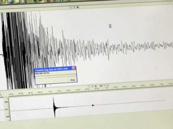 Две земетресения с магнитуд над 4 по Рихтер са станали