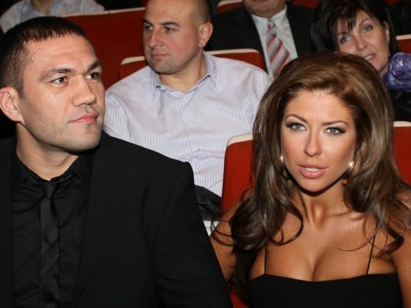 Андреа явно се е разделила отново с Кубрат Пулев. Това