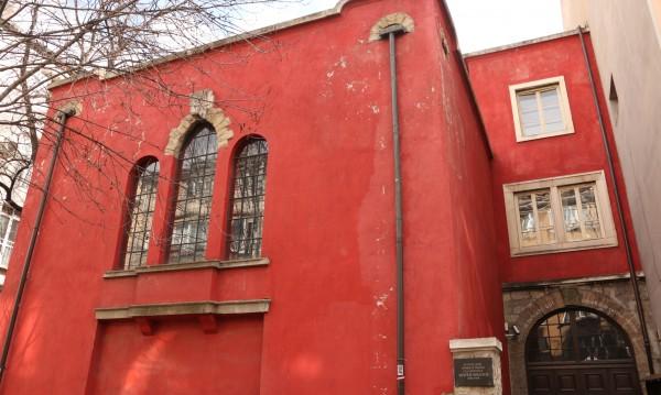 Червената къща не може да е хостел, нито ресторант