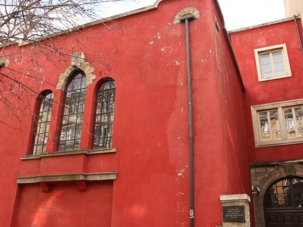 Къщата на Андрей Николов, позната още като Червената къща, не