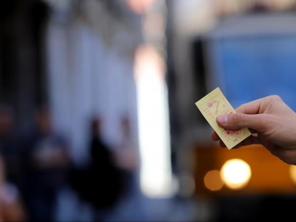 От днес в София шофьорите и контрольорите няма да продават