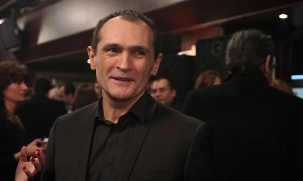 Васил Божков извади записка на ръка, твърди, че е от среща с Домусчиев