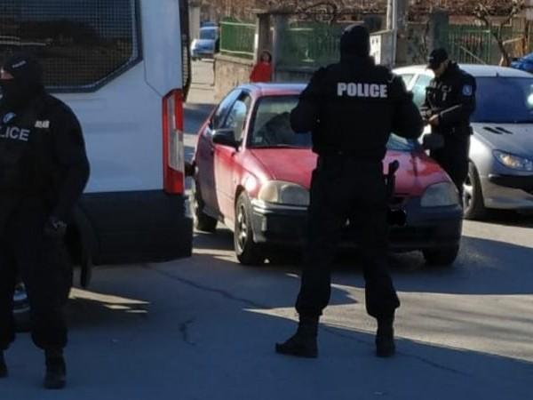 Специализирана полицейска акция срещу битовата престъпност се провежда в плевенското
