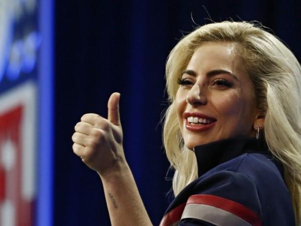 """Лейди Гага """"флиртувала"""" с идеята за пълна трезвеност, докато записвала"""