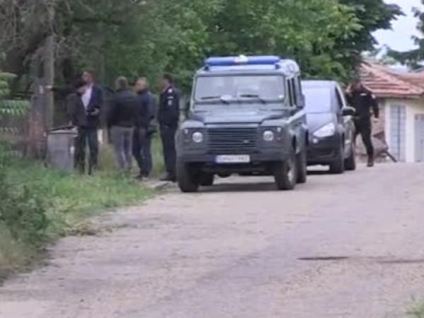 Русенското село Ценово остава под полицейска блокада, след като 75-годишна