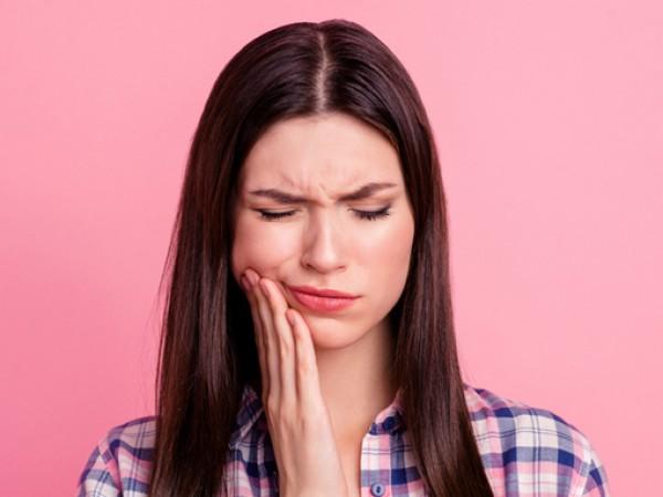Причините за поява на болки в зъбите са различни –
