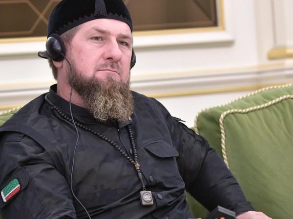 Чеченският лидер Рамзан Кадиров е закаран със самолет в Москва