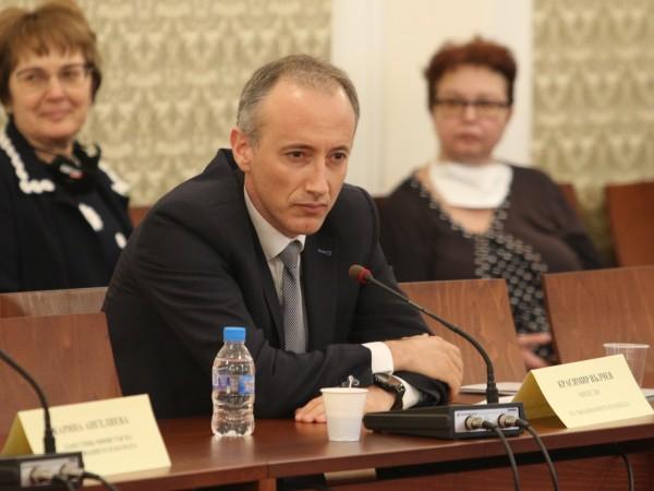 Министърът на образованието Красимир Вълчев отправи обръщение по повод 24