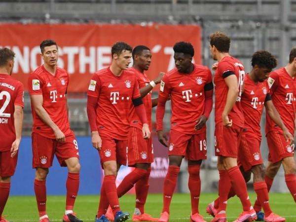 Байерн Мюнхен срази Айнтрахт Франкфурт с 5:2 в среща от