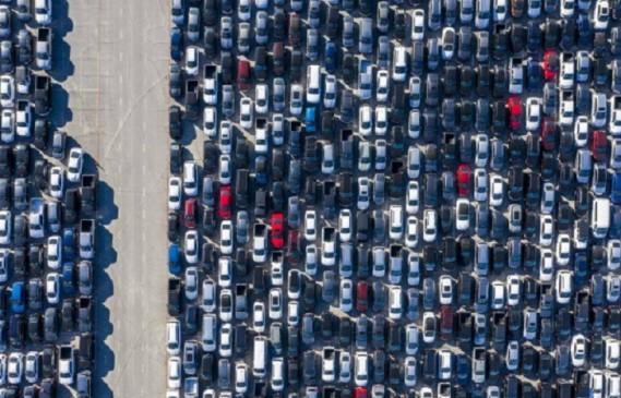 Заради кризата – стадионите в САЩ станаха паркинги